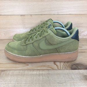 Nike Air Force 1 07 LV8 Style sneakers - size 9